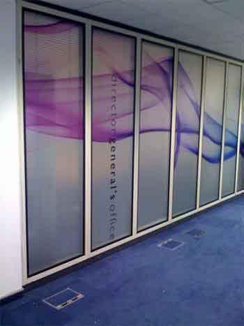Window graphics retail displays for Window manifestations